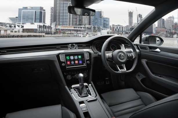 2016 Volkswagen Passat Highline interior