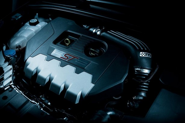 Ford Focus ST by Mountune engine