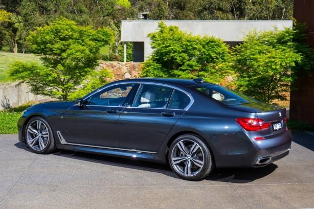 2016 BMW 740i rear quarter