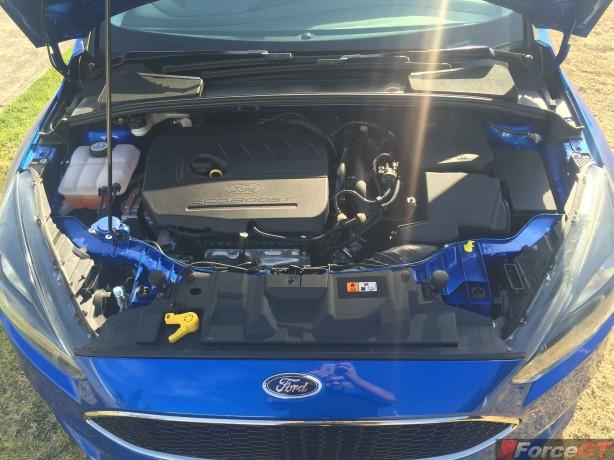 2015-Ford-Focus-Sport-Hatch-Engine