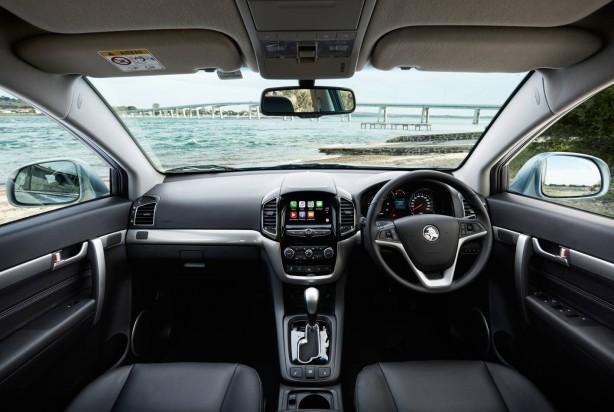 2016 Holden Captiva interior