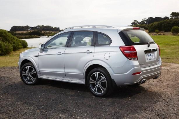 2016 Holden Captiva rear quarter