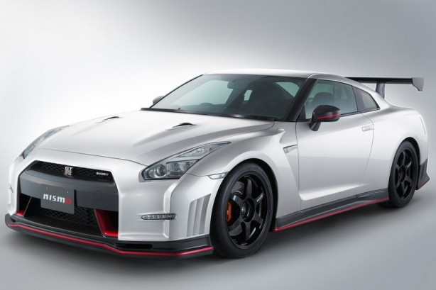 Nissan GT-R NISMO N-Attack front quarter