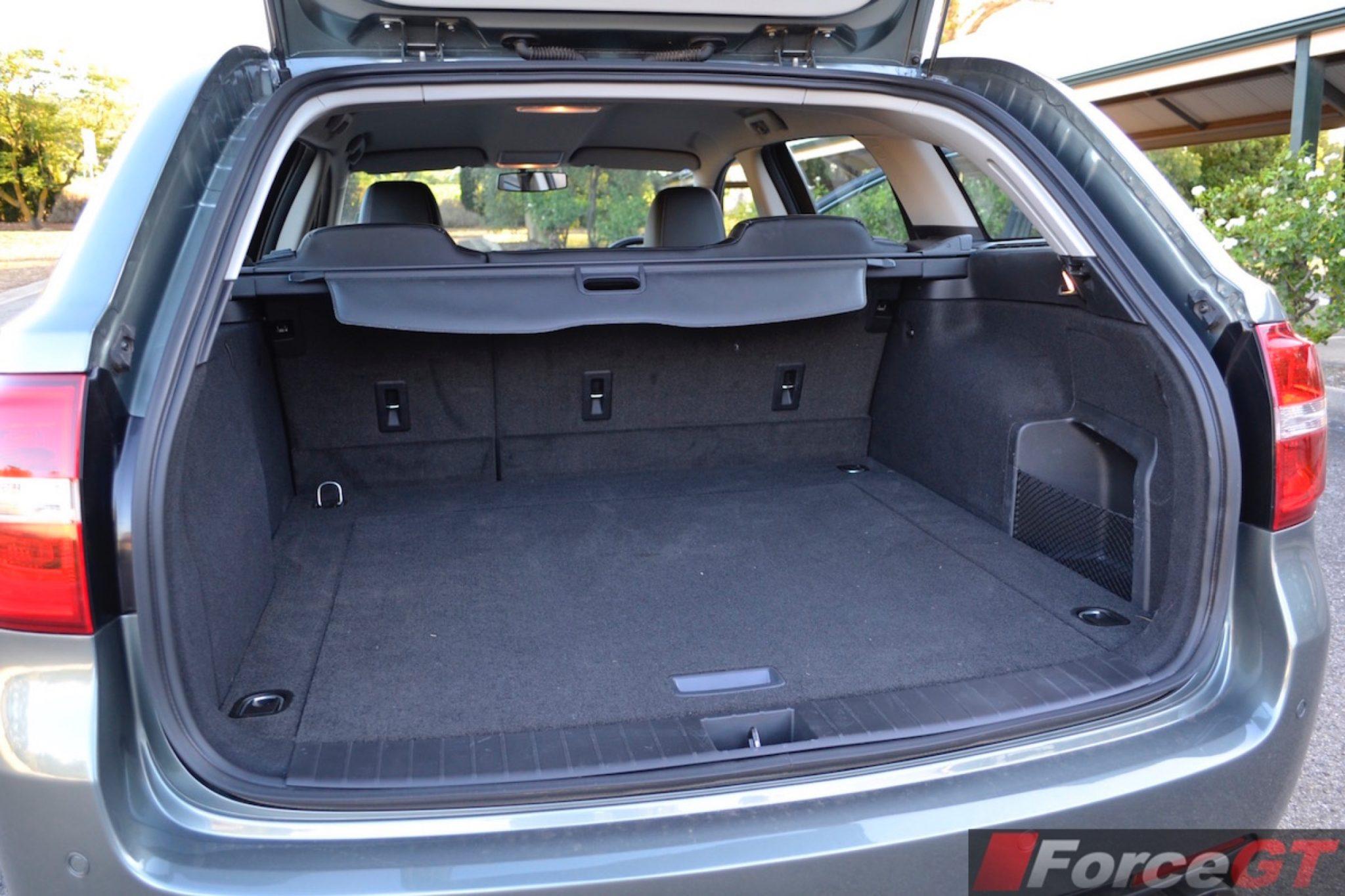 Holden Commodore Review: 2016 VFII Commodore SS Sportwagon