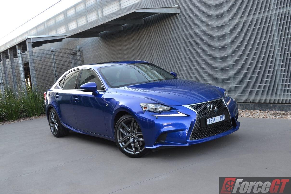 Lexus is200t review