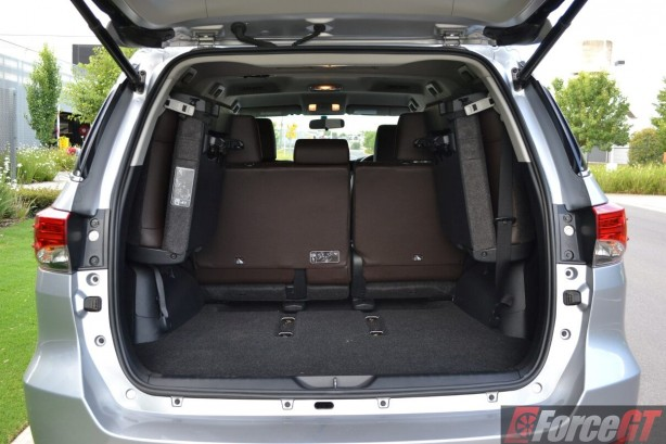 2016-toyota-fortuner-cargo-space