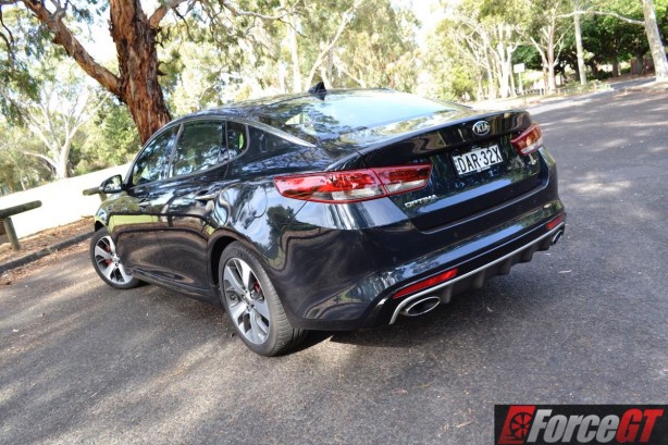 2016 kia optima gt rear quarter