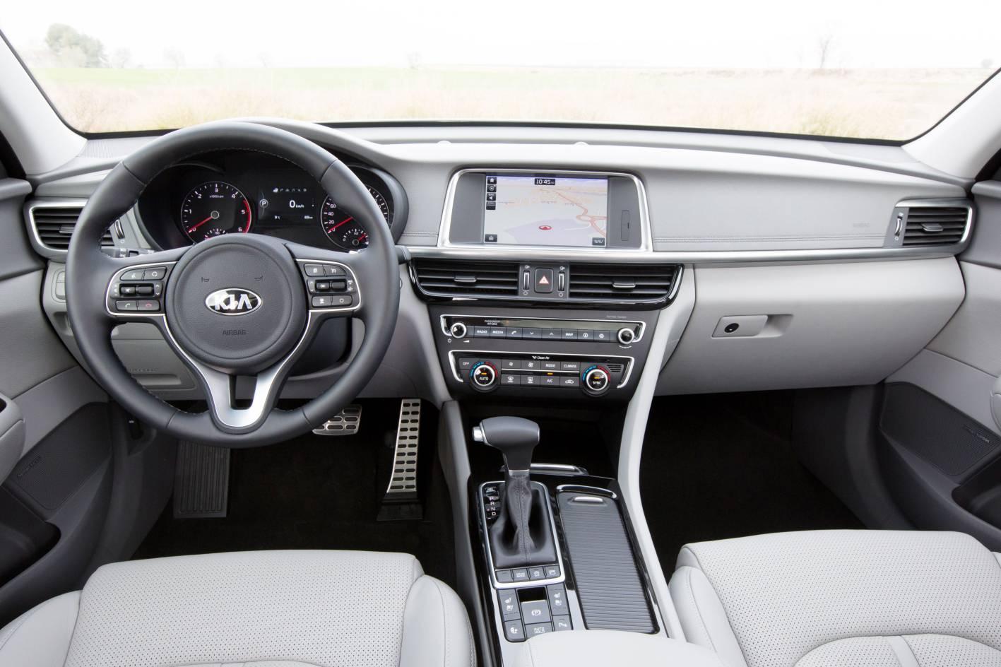 Kia Cars - News: 2017 Kia Optima Sportswagon unveiled