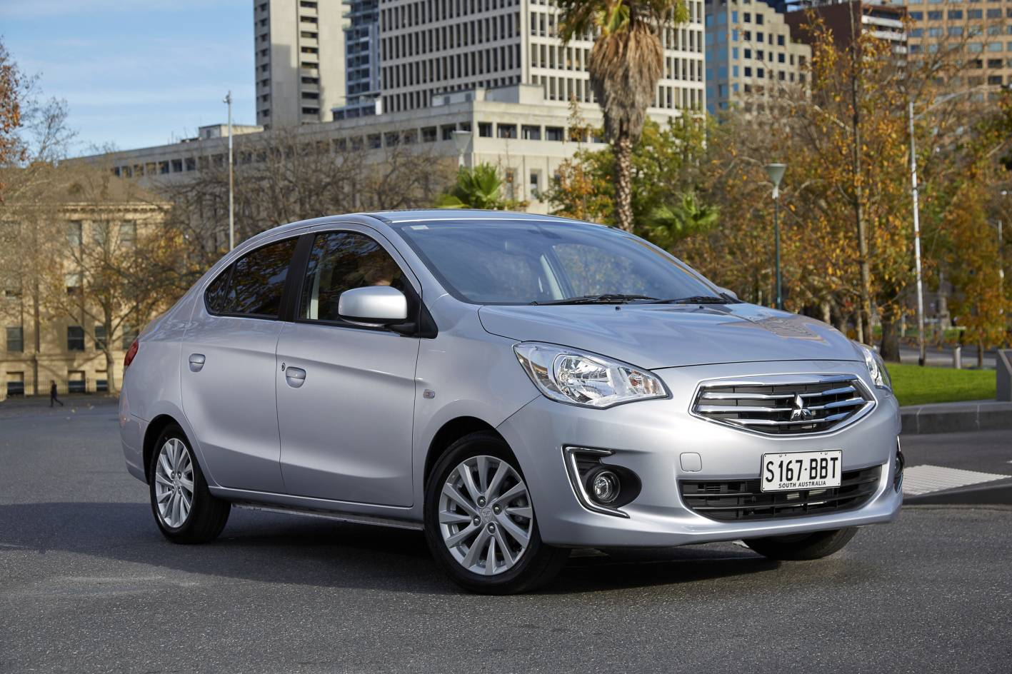 Mitsubishi Cars - News: Mitsubishi Mirage facelifted for 2016