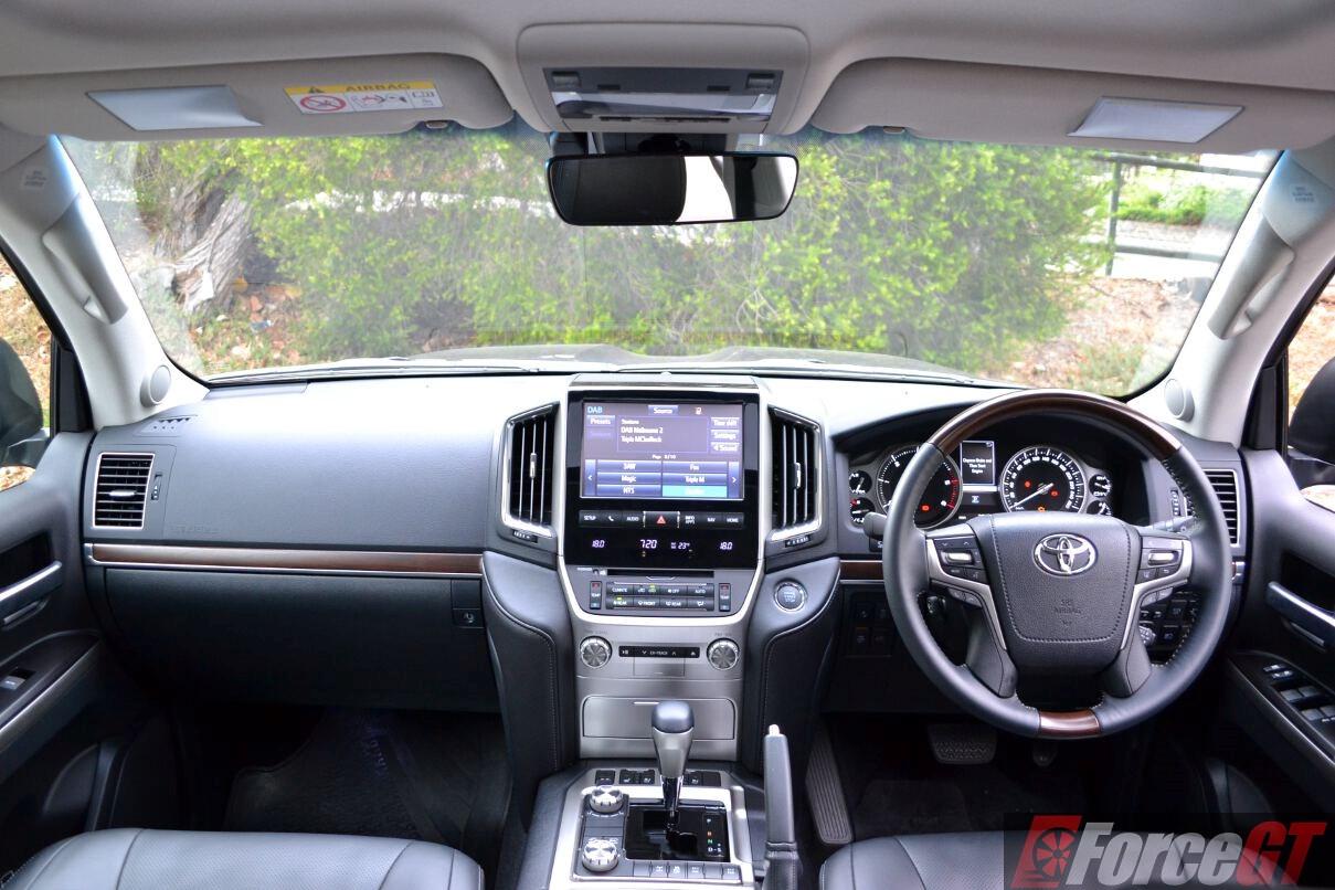 Toyota Land Cruiser 2019 >> 2016-toyota-landcruiser-sahara-dashboard - ForceGT.com