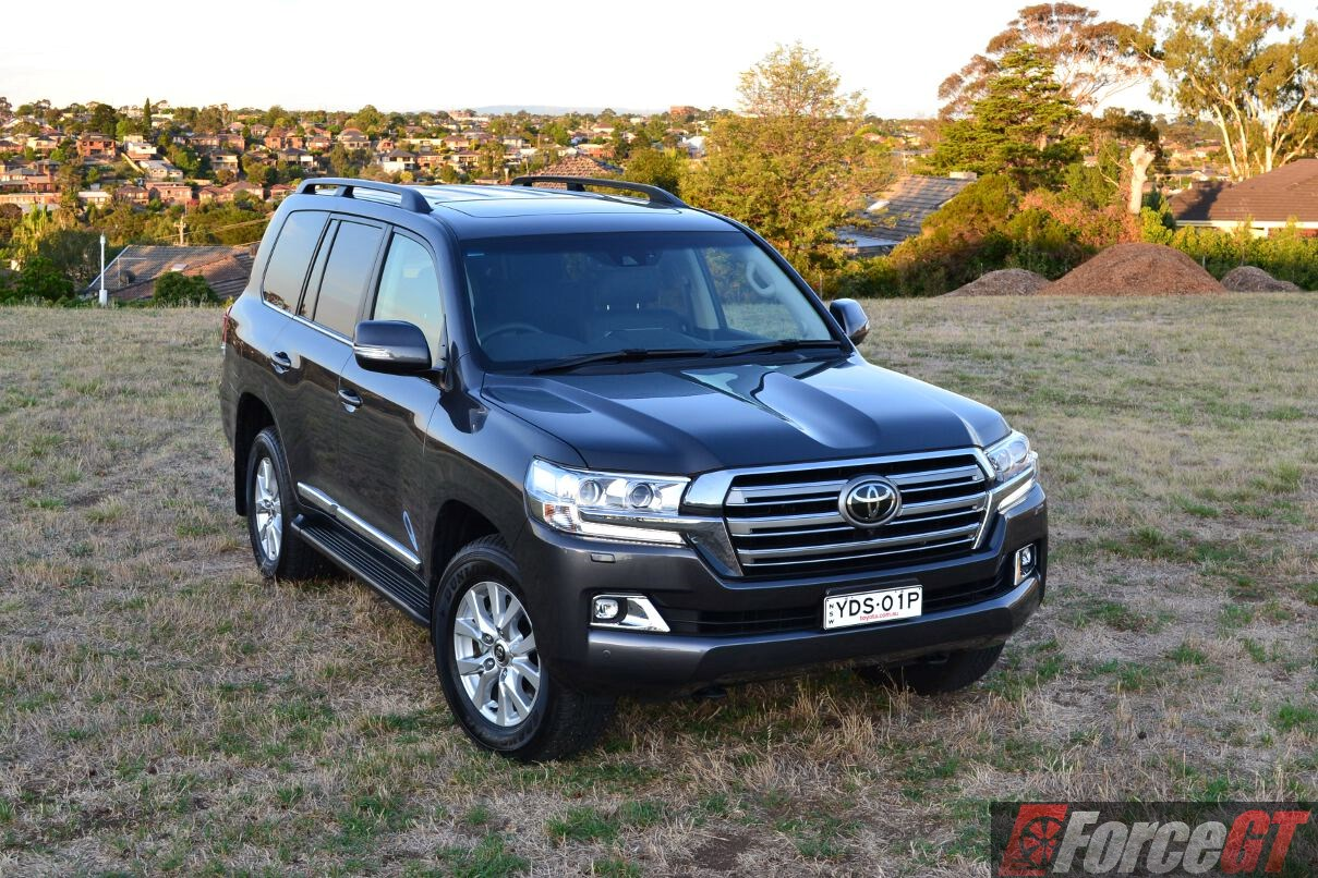 2016 Toyota Landcruiser 200 Series Sahara Review