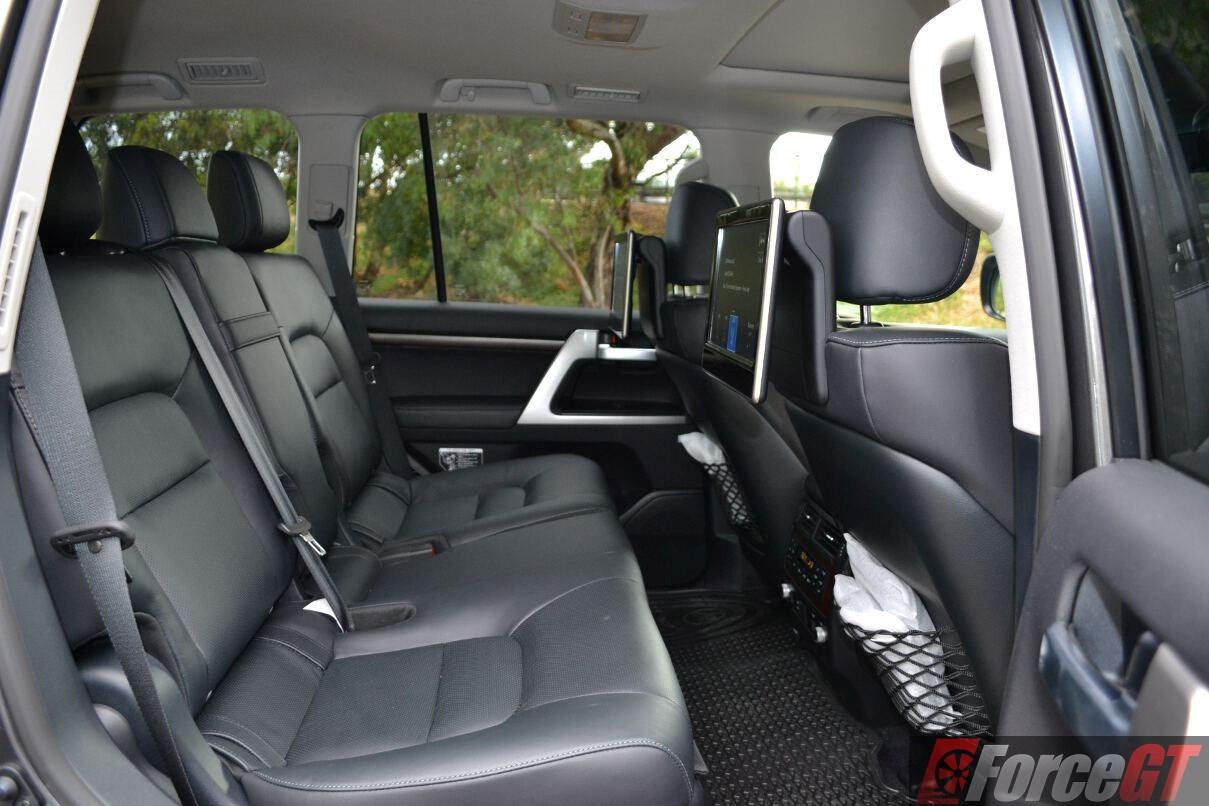 Toyota LandCruiser Series 200 Review: 2016 LandCruiser Sahara