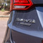 hyundai-cars-2016-hyundai-santa-fe-review-highlander-automatic-badge