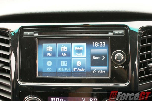 Mitsubishi-Cars-Review-Triton-GLS-2016-AT - 59-radio-DAB