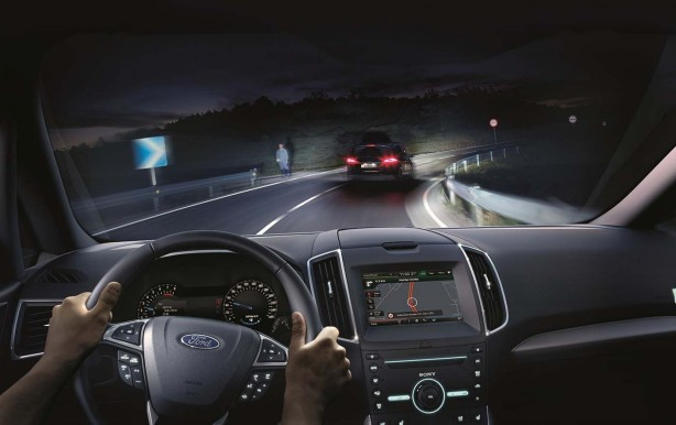 a-closer-look-at-fords-glare-free-highbeam-system-animation-inside