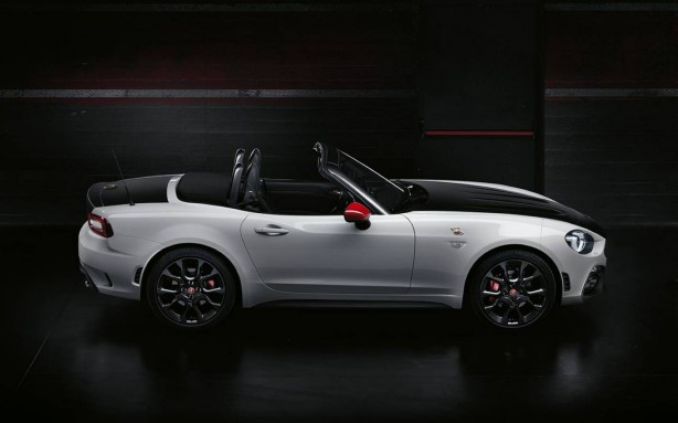 forcegt abarth 124 spider side