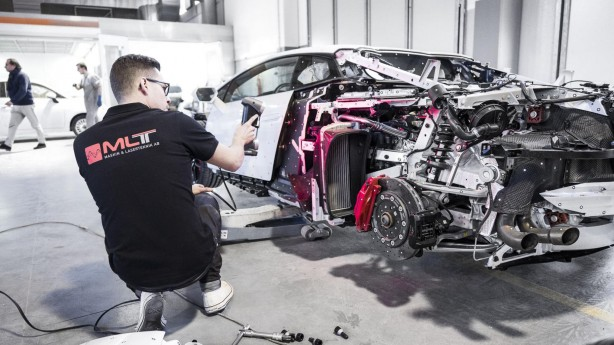 jon-olsson-new-project-the-mega-lamborghini-huracan-6-scanning-side