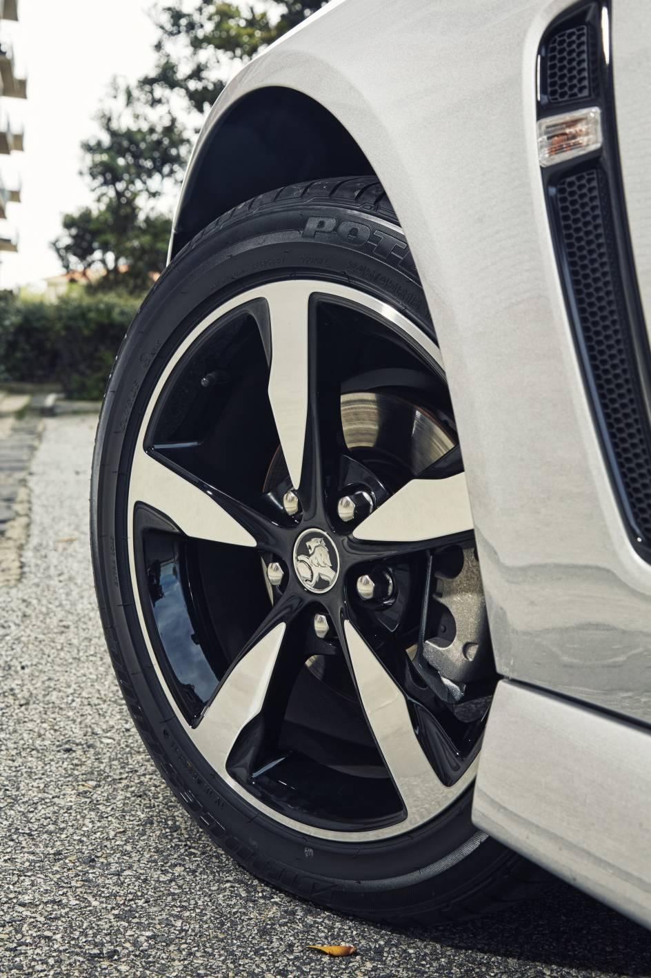 2017 Nissan 370z Convertible >> 2016 holden commodore black 18-inch wheel - ForceGT.com