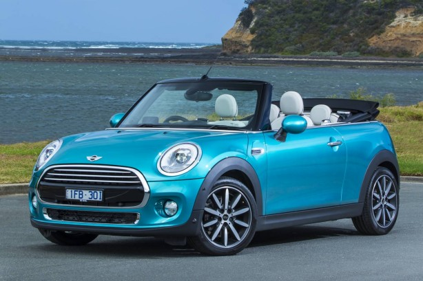 2016 mini cooper convertible front quarter