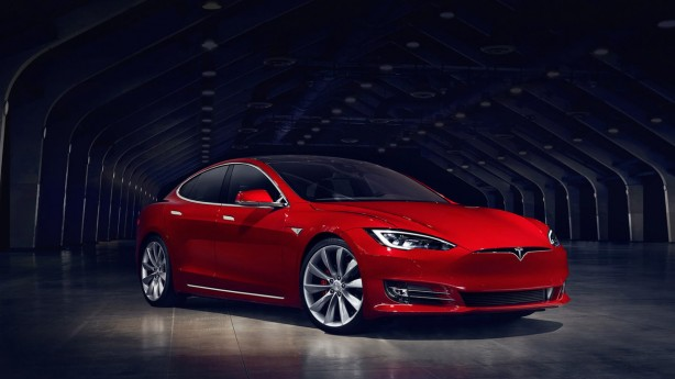 2016-tesla-model-s-facelift-front-quarter