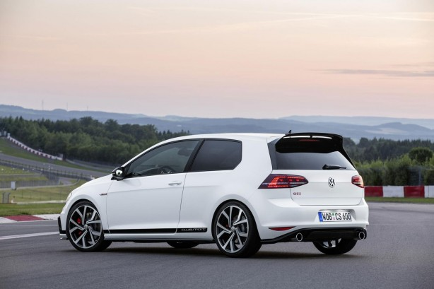 2016-volkswagen-golf-gti-40-years-edition-rear