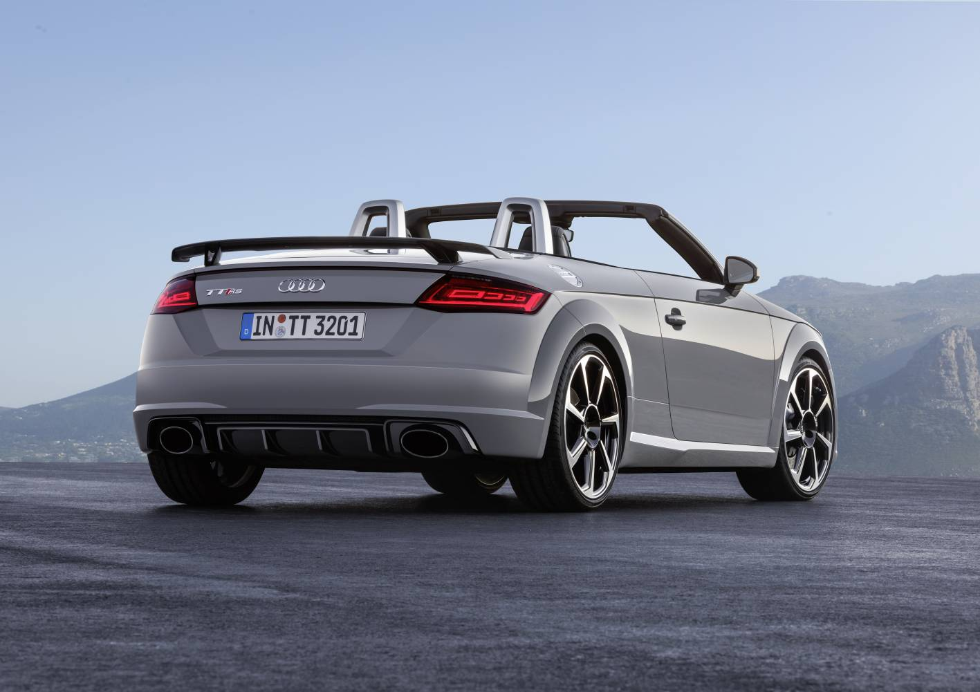 Audi Unveils All-new Tt Rs Coupe And Roadster