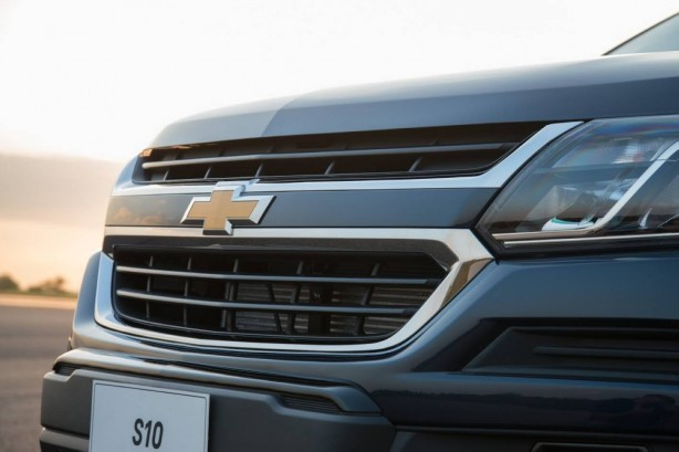 2017-holden-colorado-facelift-front-grille
