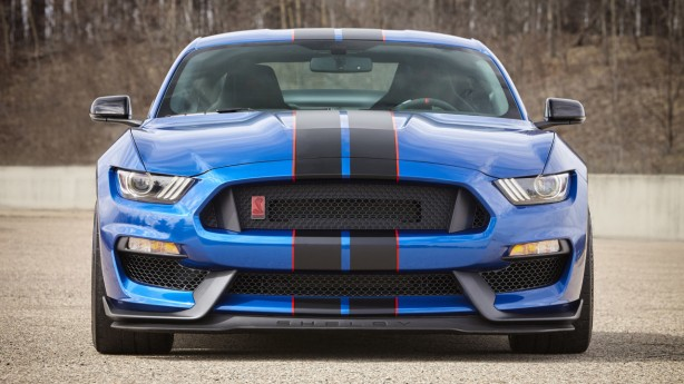 2017-shelby-gt350-mustang-front