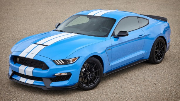 2017-shelby-gt350-mustang-front-quarter
