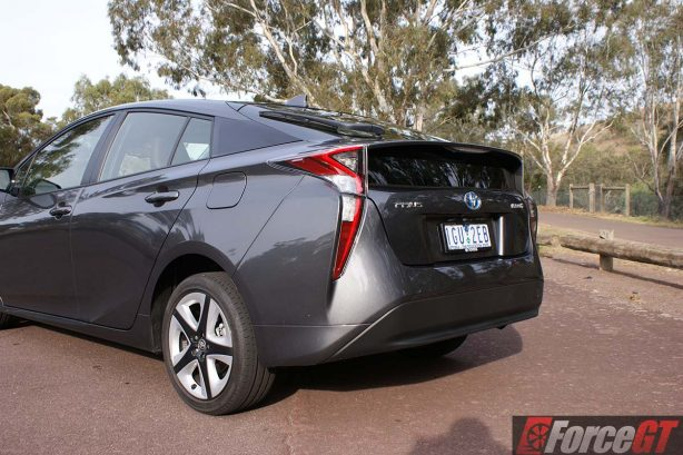 2016-toyota-prius-review-itech-australia-forcegt-hybrid-car-11