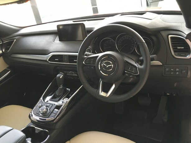 2017-mazda-cx-9-dashboard