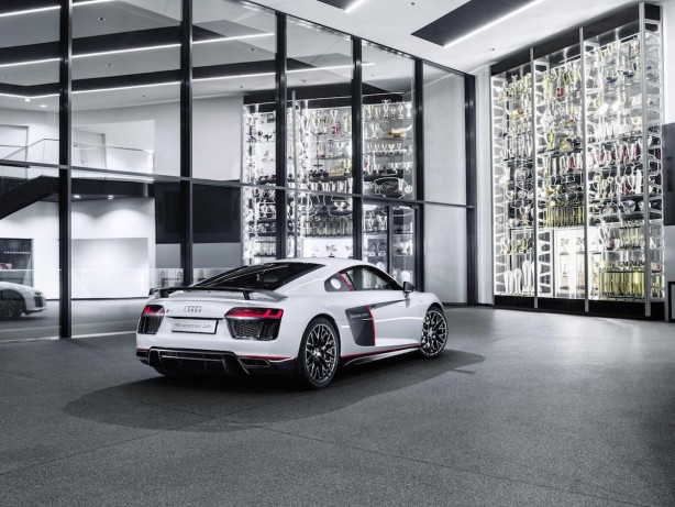 audi r8 v10 plus selection 24h rear quarter