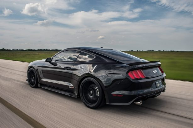 2016-Ford-Mustang-Hennessey-HPE800-25th-Anniversary-rear-three-quarter-in-motion