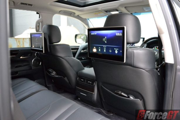 2016-lexus-lx570-rear-seat-entertainment