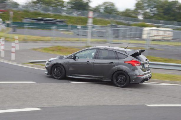 ford focus rs500 spy photo rear quarter
