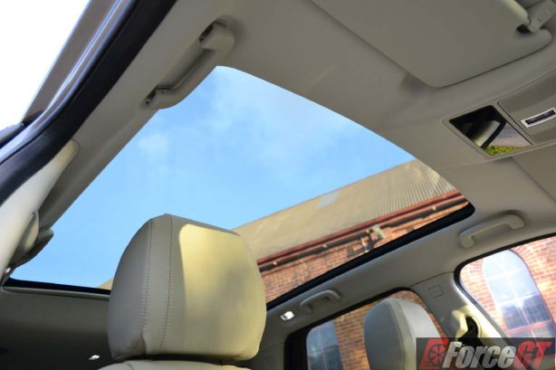 2016 Land Rover Discovery Sport sunroof