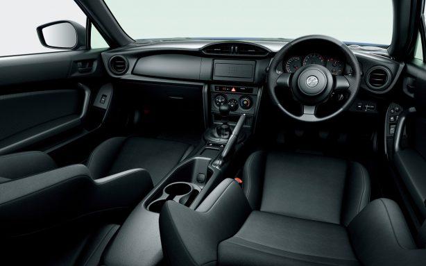 2017-toyota-86-facelift-interior