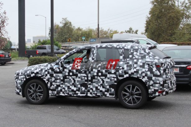 2017 mazda cx-5 spy photo side-1