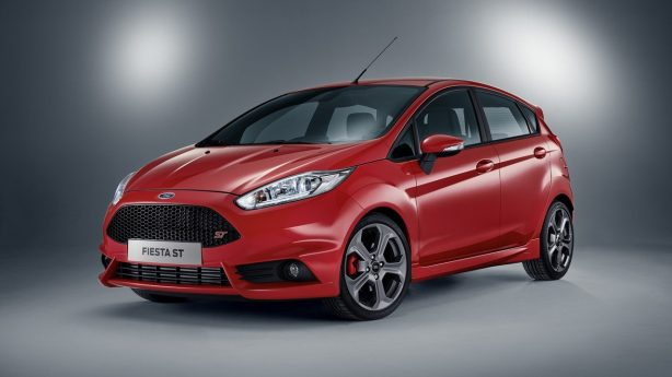 2016-ford-fiesta-st-five-door-front-quarter