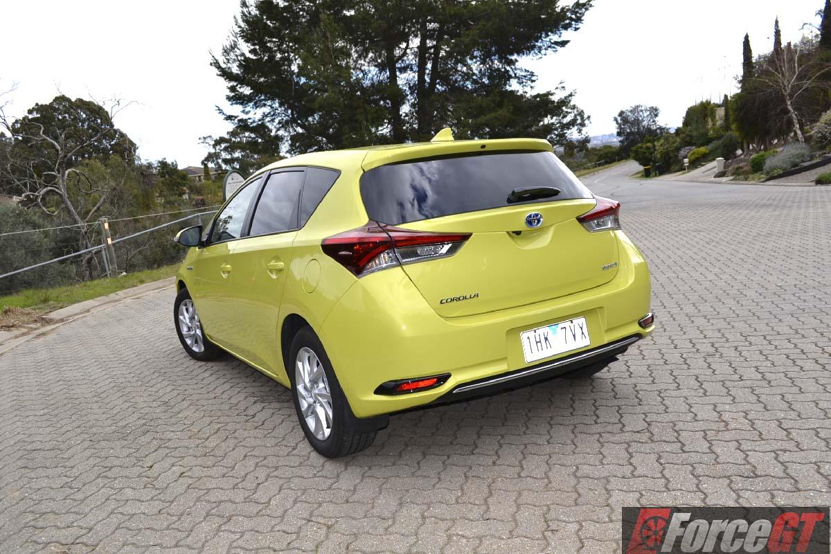 2016 Toyota Corolla Hybrid Review