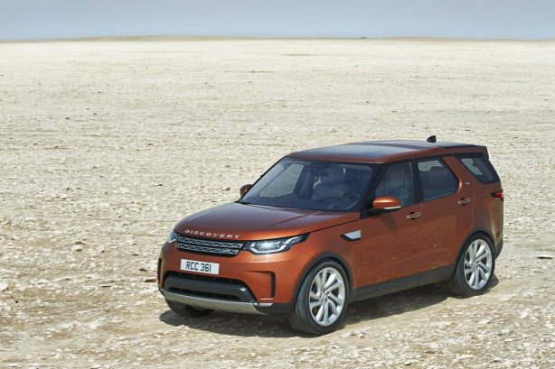 2017-land-rover-discovery-front-quarter-1