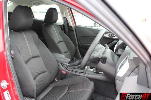 2016 Mazda 3 Maxx sedan front interior