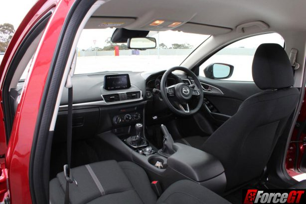 2016 Mazda 3 Maxx Interior