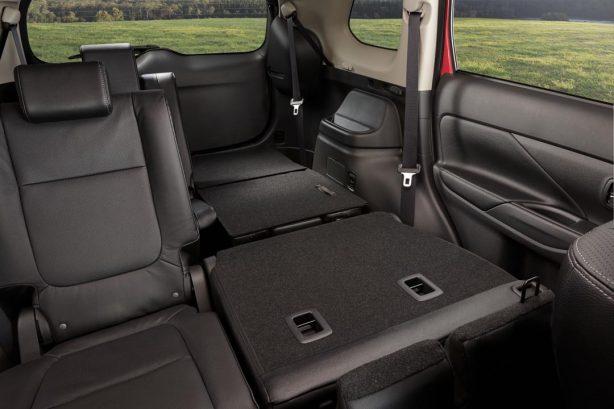 2017 Mitsubishi Outlander seats folded down
