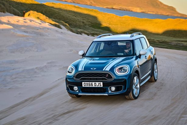 2017-mini-cooper-countryman-front