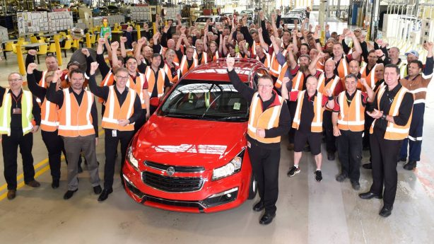 final-holden-cruze-rolls-of-elizabeth-plant