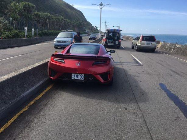 honda-nsx-crash-taiwan-highway-3