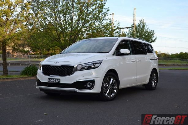 2016-kia-carnival-diesel-platinum-front
