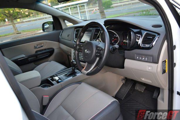 2016-kia-carnival-diesel-platinum-interior