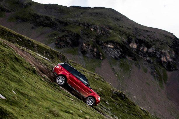 2016-range-rover-sport-inferno-downhill-alpine-ski-challenge-2